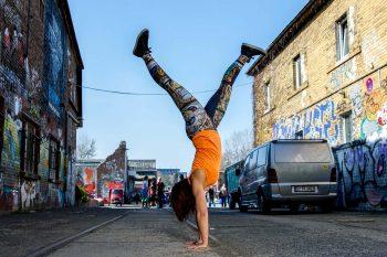 Handstand, Baby! In 5 Schritten zu Adho Mukha Vrikshasana 2