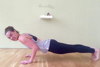 Höher, schneller, weiter, besser? Über Leistungsdruck im Yoga
