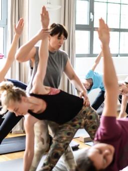 Du willst Yogalehrer werden? So findest du die richtige Ausbildung 3