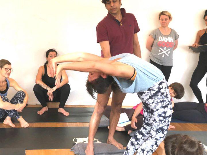 Wo du in Rishikesh Yoga üben solltest (+Geheimtipps) 5