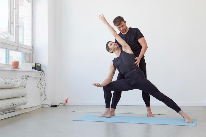 Das sind die besten Yoga-Outfits für Männer
