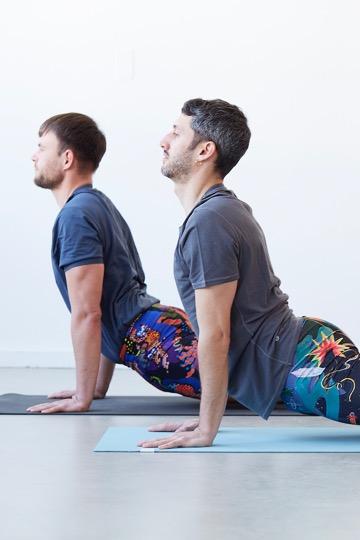 Das sind die besten Yoga-Outfits für Männer 7