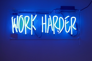 Entspannt trotz 60-Stunden-Job? 5 Tipps für mentale Balance 1