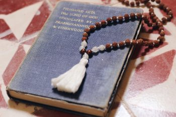Mit der Malakette meditieren: So geht Japa Mala 3