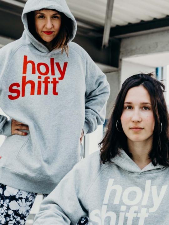 Holy Shift: Der erste FLGH-Hoodie ist da! 3