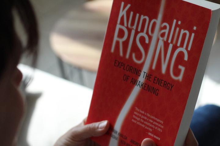 Bookspiration: Diese Kundalini Yoga Bücher solltest du kennen 2