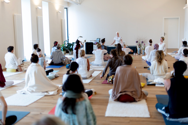 Kundalini Yoga Ausbildung mit Panch Nishan Kaur Khalsa in Berlin 5