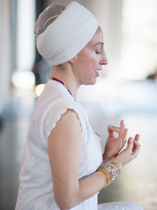 Kundalini Yoga Ausbildung mit Panch Nishan Kaur Khalsa in Berlin