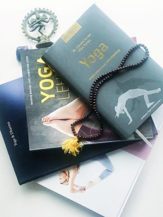 Bookspiration Anusara Yoga: Diese Bücher solltest du kennen 1