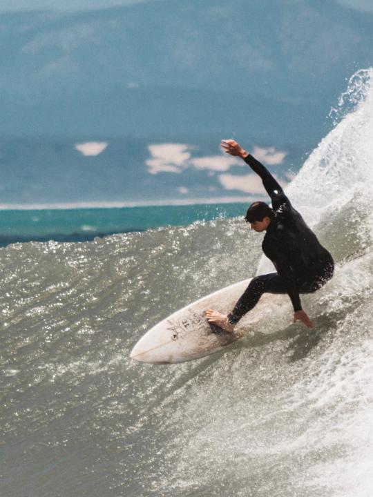 Das sind die besten Surf und Yogareisen 2020