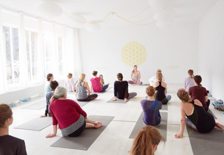 nivata Yoga: 200, 500 oder +300 Stunden Ausbildung in Berlin 9
