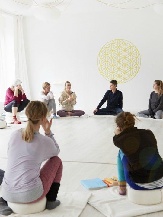 nivata Yoga: 200, 500 oder +300 Stunden Ausbildung in Berlin 6