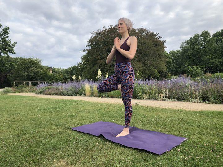 Outdoor-Yoga: Tipps für Praxis im Grünen + die besten Locations 4