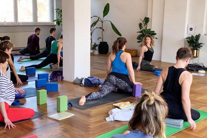 Du beginnst eine Yogaausbildung? Das solltest du wissen 3