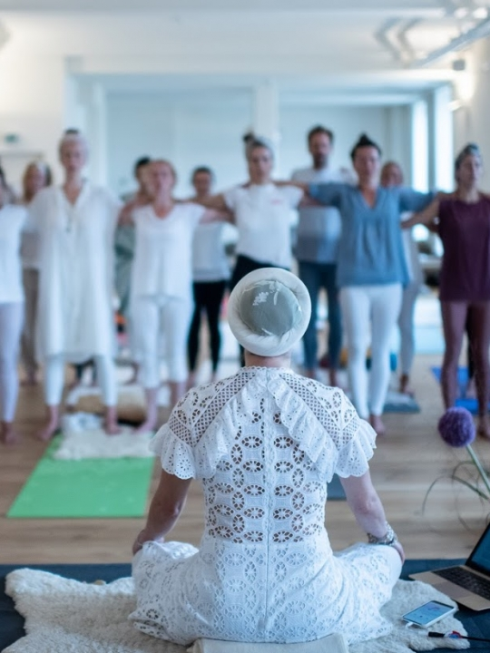Kundalini Yoga Ausbildung mit Panch Nishan Kaur Khalsa in Berlin 11