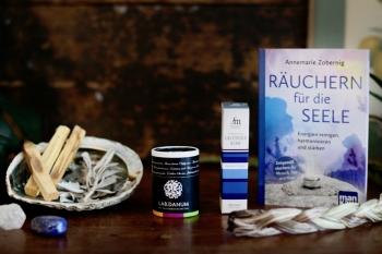 Der kleine Räucher-Guide: So nutzt du Räucherwerk für Rituale + unsere Lieblingsprodukte