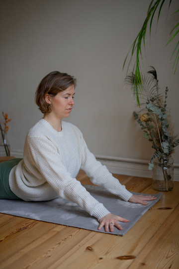 Yin Yoga Tutorial: 30-Minuten-Sequenz für den Winter 2