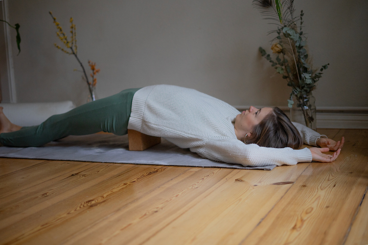 Yin Yoga Tutorial: 30-Minuten-Sequenz für den Winter 6