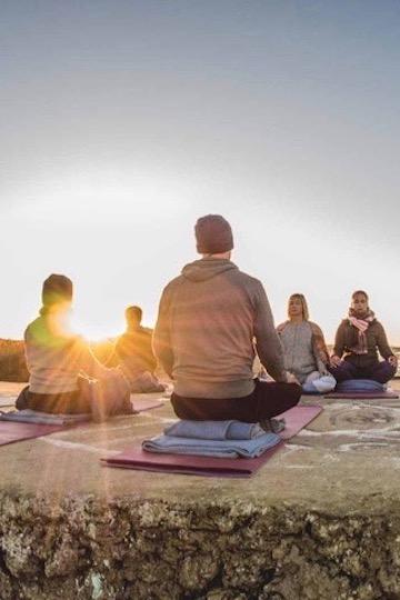 Das sind die besten Surf und Yogareisen 2020 2
