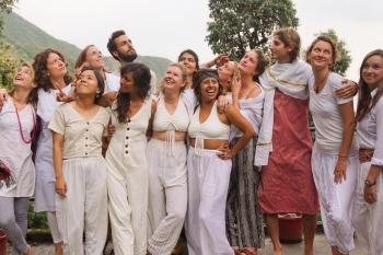 Mit diesen 9 Fragen findest du dein Yoga Teacher Training in Indien 2