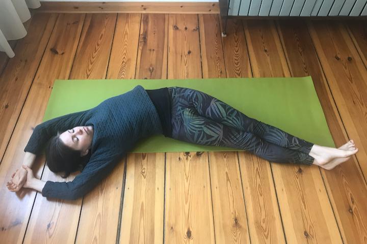 Yin Yoga Tutorial: 30-Minuten-Sequenz für den Frühling 2
