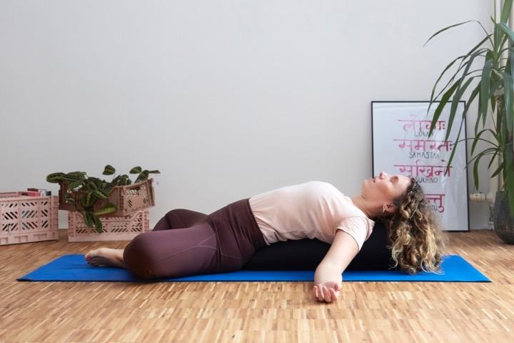 Mental Health Yoga II: Ein Flow für psychische Stärke 10