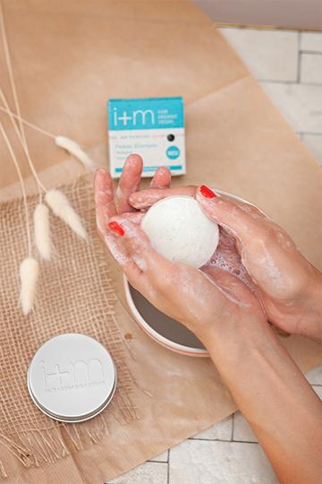 Wieso ist es so schwierig, Kosmetik ohne Müll zu produzieren, i+m? 6