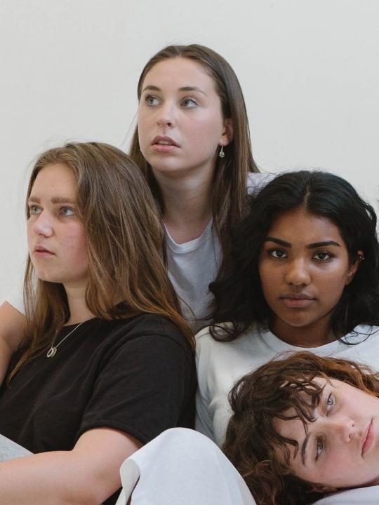 #sisterhood und #feminismus: Wir von Rivalinnen zu Schwestern werden
