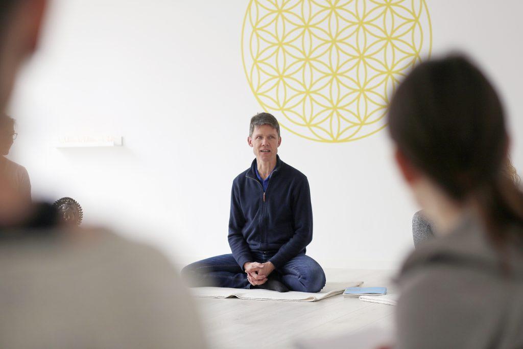nivata Yoga: Ausbildung zur*m Meditationsleiter*in