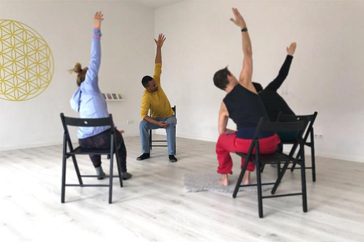 Traumasensitives Yoga: Wie der Yogastil dich stärken kann 2