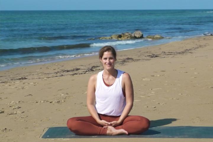 Sieben Yogalehrer*innen, die du kennen solltest 4