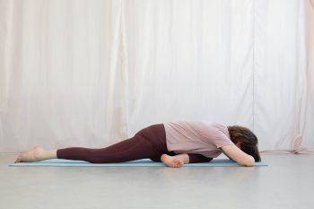 Yin Yoga Tutorial: 30 Minuten Sequenz für den Spätsommer